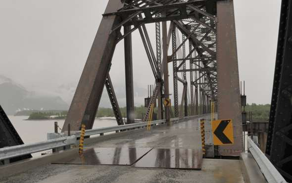 Northbound view of two-foot offset between north span and rest of bridge